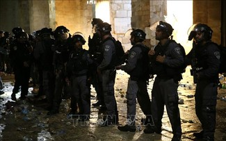 Clashes flare up in Jerusalem and West Bank