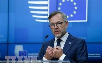 EU reacts cautiously over AUKUS