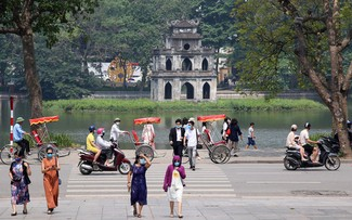 Hanoi reopens outdoor activities and shopping centers
