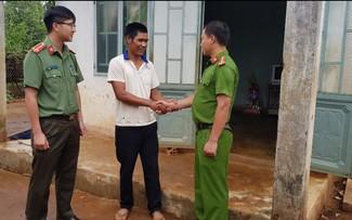 """El club """"Amigos se ayudan unos a otros"""" en la comunidad étnica de Ia Bang"""