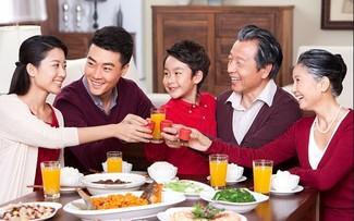 """Día de la Familia en Vietnam 2021: """"Familia pacífica - Sociedad feliz"""""""