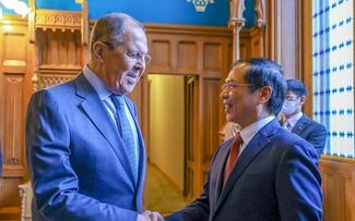 Bui Thanh Son en Russie: le compte-rendu