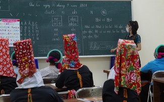 Une classe d'alphabétisation en montagne