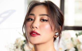 越南乐坛著名女歌手文梅香演唱的歌曲