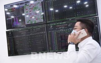 Chứng khoán Việt Nam lập đỉnh mới về điểm và thanh khoản