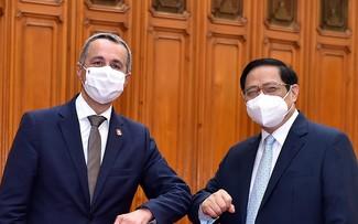 Thủ tướng Phạm Minh Chính tiếp Phó Tổng thống, Bộ trưởng Ngoại giao Liên bang Thụy Sỹ Ignazio Cassis