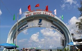 Phu Quoc to be Vietnam's first locality to pilot vaccine passport acceptance