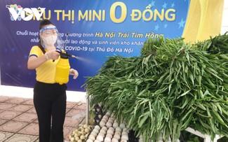 """""""Siêu thị mini 0 đồng"""" đầu tiên ở Hà Nội bán hàng miễn phí cho người khó khăn do COVID-19"""