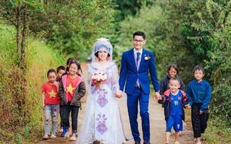 Những đám cưới độc đáo mùa COVID ở Việt Nam