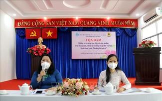 Phát huy vai trò nữ công nhân viên chức, lao động trong xây dựng giá trị của gia đình Việt Nam