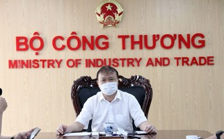 Vietnam busca mantener el crecimiento de las exportaciones en 4-5% y el superávit comercial