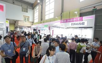 Ouverture de la foire Vietnam Expo Hanoi 2021