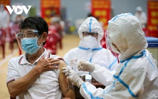 Initial COVID-19 vaccination drive begins in Da Nang