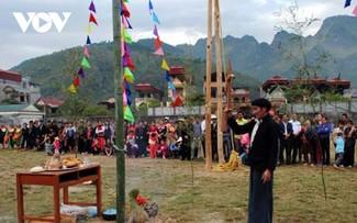 Lễ hội Gầu Tào, nơi gắn tình đoàn kết  cộng đồng người Mông ở Hà Giang