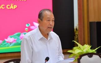Phó Thủ tướng Trương Hòa Bình kiểm tra công tác bầu cử tại Đồng Tháp