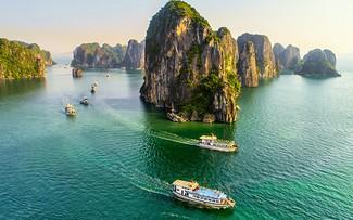 Quảng Ninh miễn phí vé tham quan vịnh Hạ Long, Yên Tử... đến hết năm 2021