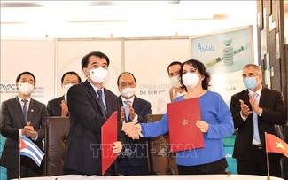 Chủ tịch nước Nguyễn Xuân Phúc chứng kiến lễ ký kết nhiều chương trình hợp tác quan trọng giữa Việt Nam và Cuba