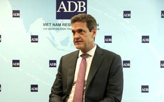 Giám đốc ADB: Chính phủ Việt Nam đã phản ứng nhanh chóng, điều hành linh hoạt