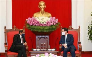 Thúc đẩy các biện pháp tăng cường quan hệ Việt Nam - Singapore