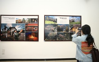 Hanoi photo exhibition portrays life in Vietnam's border areas