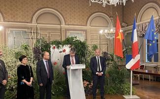 Vietnam verstärkt Wirtschafts- und Kulturaustausch mit französischen Provinzen