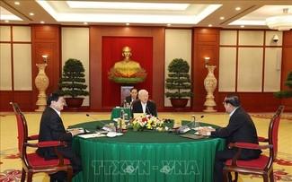 Vietnamese, Cambodian, Lao top leaders discuss cooperation orientations