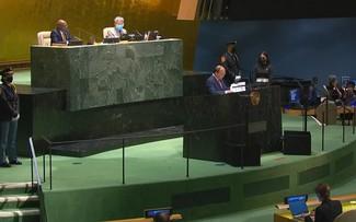El presidente Nguyen Xuan Phuc exhorta a estrechar la cooperación internacional para vencer al covid-19