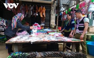 Le marché montagnard de Co Ma