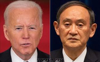 Joe Biden et Suga Yoshihide montrent leur unité