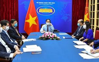 Vietnam-Canada : Entretien téléphonique entre les ministres des Affaires étrangères