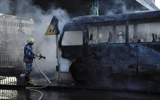 Syrie: à Damas, un des pires attentats depuis des années tue au moins 14 personnes dans un bus militaire
