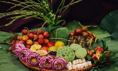 Einkauf der Hanoier für das Doan Ngo-Fest