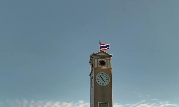 Menara Jam Kenang-Kenangan dari Perantau Vietnam di Provinsi Nakhon Phanom – Simbol Persahabatan Vietnam-Thailand
