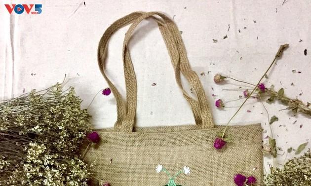 Uniknya Produk Tas Kerajinan Tangan yang Terbuat dari Bahan Rami