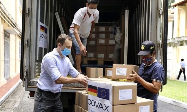 Lebih dari 852.000 Dosis Vaksin dari Pemerintah Jerman untuk Bantu Vietnam Tiba di Hanoi