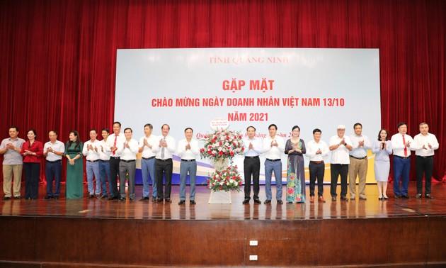 Temu Muka dengan Badan Usaha Sehubungan dengan Peringatan Hari Wirausaha Vietnam