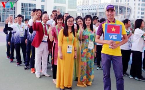 Ondea la bandera vietnamita en los Juegos Asiáticos Bajo Techo y de Artes Marciales 2017