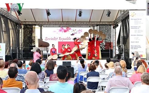 """Vietnam participa en el Festival """"Días del Fin de Semana de Asia"""""""