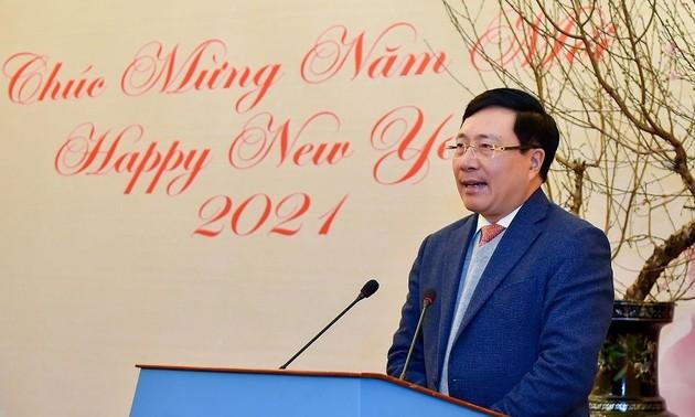 Aplauden las contribuciones de los periodistas al éxito de la diplomacia de Vietnam en 2020