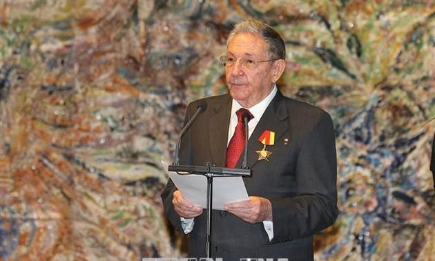 Raúl Castro anuncia el cese de su cargo al frente del Comité Central del PCC