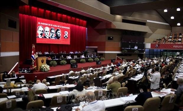 Máximo líder político de Vietnam exalta los aportes de Raúl Castro a las relaciones entre ambos pueblos
