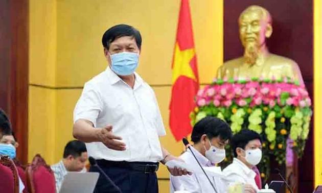 Despliegan más recursos humanos y materiales para poner fin a los brotes del covid-19 en Bac Giang y Bac Ninh