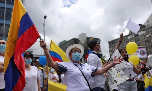 Marchas del silencio para pedir el fin de violencia y los bloqueos en Colombia