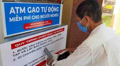 """El """"cajero automático de arroz"""", ha vuelto a Ciudad Ho Chi Minh"""