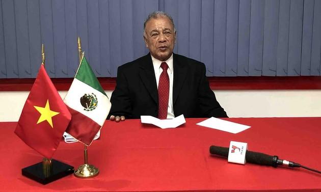 Dirigente del Partido del Trabajo de México alaba el artículo del líder vietnamita sobre el socialismo