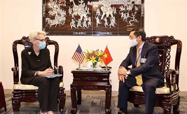 Vietnam ensalza la política exterior a favor de la cooperación y el apoyo mutuo en el mundo