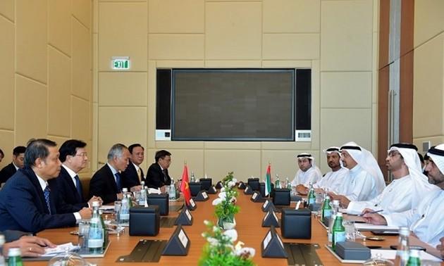 Vietnam y EAU determinados a elevar a 10 mil millones de dólares de intercambio comercial