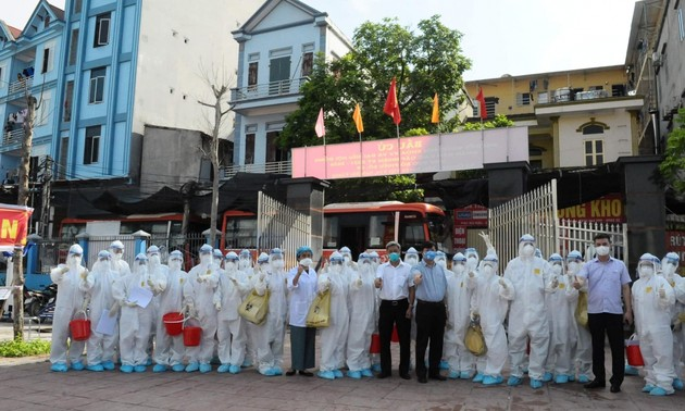 Unos 26 mil voluntarios listos a tomar parte en combate anticovid-19 en Bac Ninh y Bac Giang