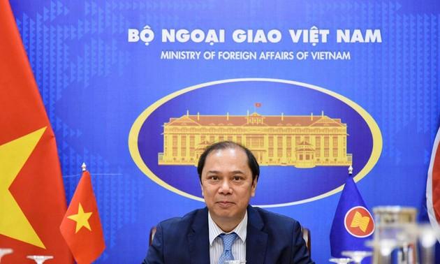El vicecanciller de Vietnam participa en la Reunión preparatoria del AMM-54