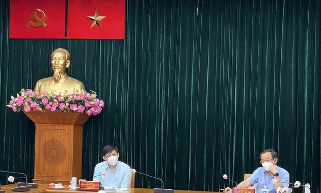 Piden a Ciudad Ho Chi Minh acelerar proceso de vacunación